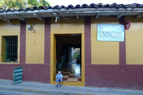 comedor_antojitor_building