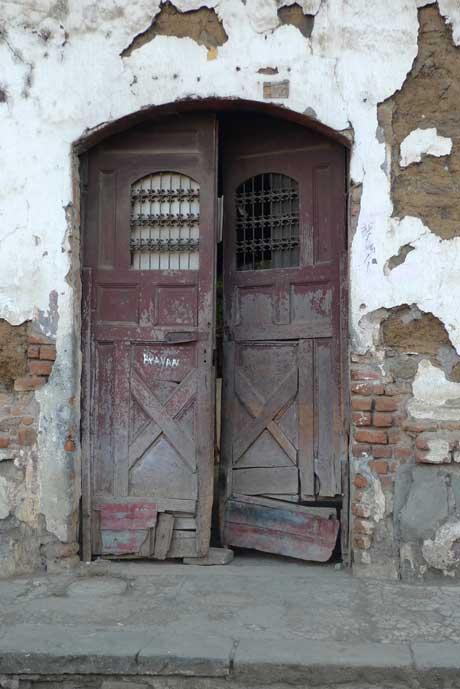 masaya_old_door