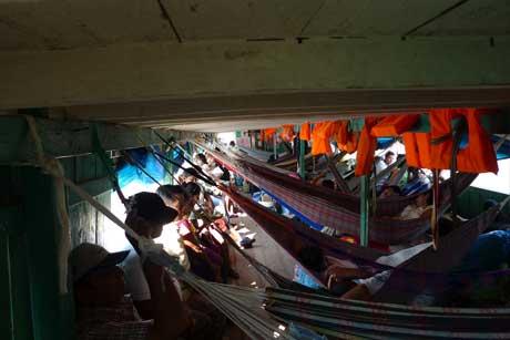 lagunas_boat_hammocks