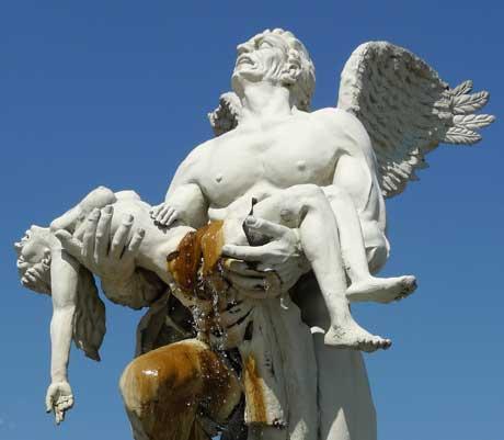 statue_huaraz_peru