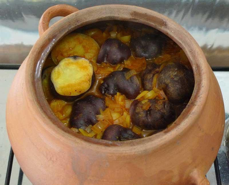 Peruvian_clay_pots_1