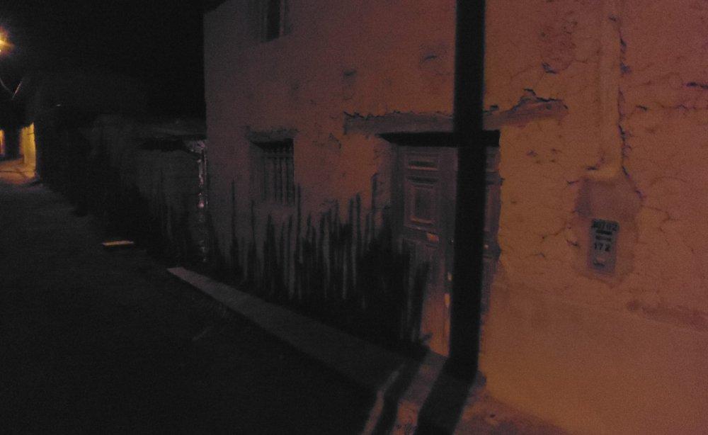 viscas_peru_adobe_night_shadows