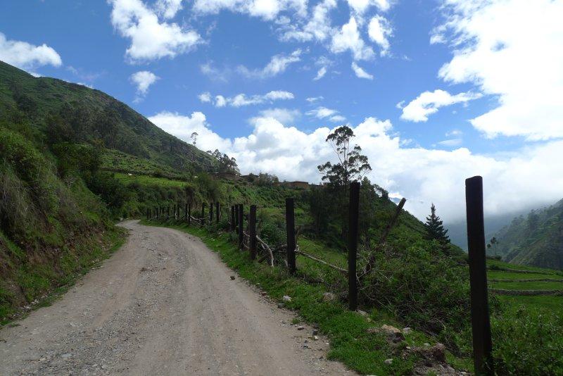 santa_catalina_peru_road